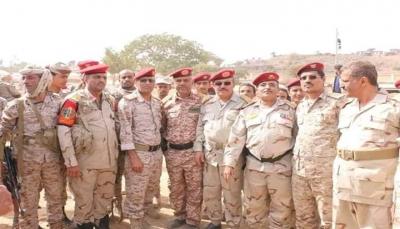 """تعز: قيادة الجيش تعتمد معسكر """"الأصابح"""" مركز تدريبي للمحور"""