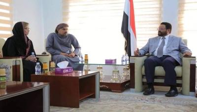محافظ مأرب يبحث مع مسؤولة أمريكية تطورات الوضع في اليمن