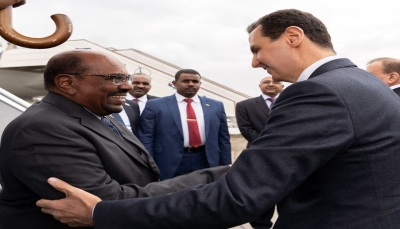 البشير يلتقي الأسد في أول زيارة لرئيس عربي إلى سوريا منذ 2011