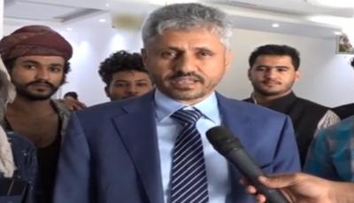 قائد المقاومة الشيخ المخلافي يشيد ببطولات الجيش الوطني بمدينة تعز