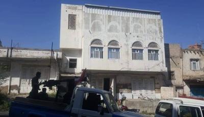 تعز: الجيش يضبط خلية ارهابية بحوزتها متفجرات غربي المدينة