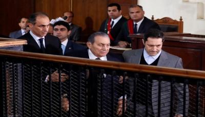 مبارك ومرسي وجها لوجه للمرة الأولى أمام القضاء المصري