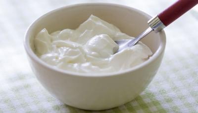 """لماذا يعد """"الزبادي"""" من أكثر الأطعمة الصحية التي يجب استهلاكها؟"""