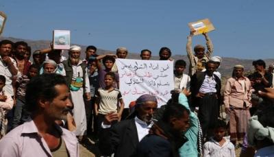 """تعز: محتجون يمهلون """"أبو العباس"""" 48 ساعة لتسليم قتلة أحد الجنود"""