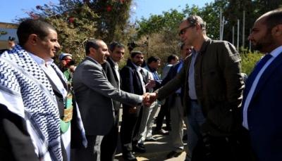 مصدر حكومي: تعثر اتفاق الحديدة بسبب إصرار الحوثيين على تسليم الحديدة لعناصرهم