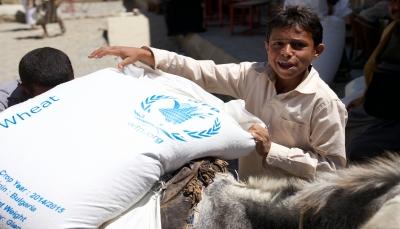 """الغذاء العالمي يتهم الحوثيين بنهب الاغاثة ويقول """"يسرقون المساعدات من أفواه الجائعين"""""""