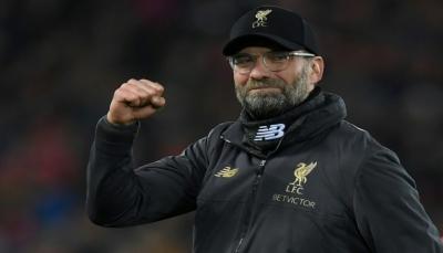 """كلوب يعد جماهير ليفربول بالتتويج بـ""""الدوري الانجليزي"""" في الموسم المقبل"""