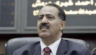 """وكالة: ضغوط حوثية على """"يحيى الراعي"""" لمغادرة البلاد لسحب البساط من تحت """"هادي"""""""