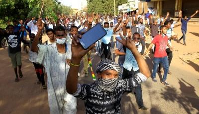 السودان: العشرات يشاركون في احتجاج قرب الخرطوم عقب صلاة الجمعة