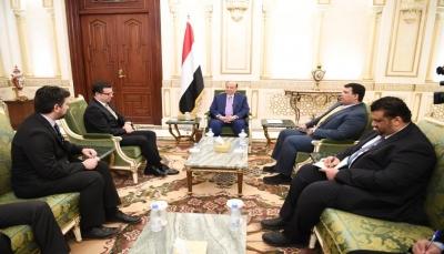 هادي يستقبل سفيري تركيا والنمسا لدى اليمن بمناسبة انتهاء فترة عملهما
