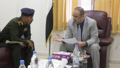 """""""الميسري"""" يناقش مع مدير أمن الحديدة الخطة الأمنية لتأمين المحافظة"""