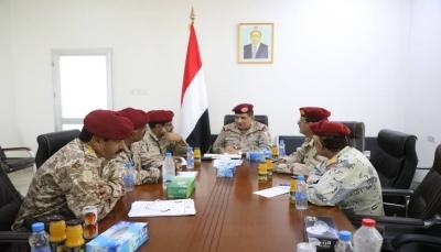 رئيس الأركان يوجه بفحص وإدخال بيانات منتسبي الجيش في خمس مناطق عسكرية