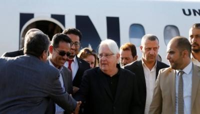 """""""غريفيث"""" يغادر صنعاء بعد جولة أثمرت بالإفراج عن أسير سعودي بعد لقاء زعيم الحوثيين"""