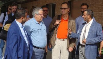 تعرض رئيس لجنة المراقبين الأممية لإطلاق نار من قبل الحوثيين في الحديدة