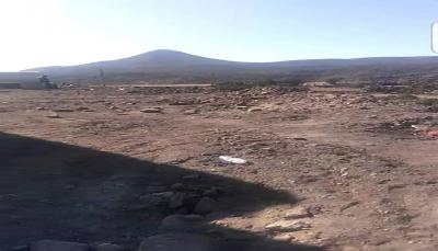 إب: مسؤول حوثي يسطو على أراضي أوقاف ومقابر على خط الضالع (صور)