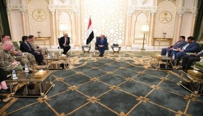 الرئيس هادي: متفقون مع القيادة الأمريكية في مواجهة تحديات الإرهاب