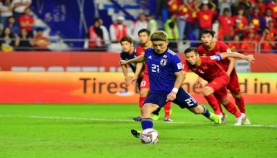 اليابان أول المتأهلين إلى نصف النهائي بركلة جزاء في شباك الفلبين