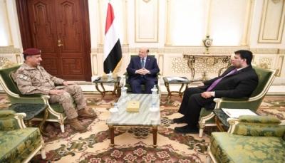 هادي يلتقي قائد القوات المشتركة للاطلاع على سير العمليات القتالية في الجبهات