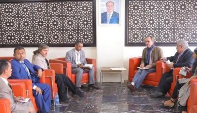 الفريق الحكومي يعلن فتح الممرات الانسانية جنوب مدينة الحديدة (وثيقة)