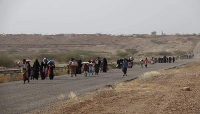 """الحكومة تأسف لعدم إدانة """"غراندي"""" استهداف الميليشيات لمخيم النازحين بحجة"""