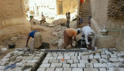 """إعانة اليمنيين.. """"النقد مقابل العمل"""" لسدّ الرمق"""
