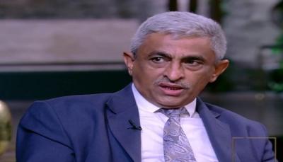 """وزير يعلن تعليق عضويته في """"الحكومة الشرعية"""" ويكشف السبب"""