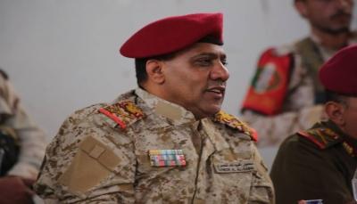 قائد محور تعز يشدد على رفع الجاهزية القتالية استعدادا لمعركة التحرير الشامل