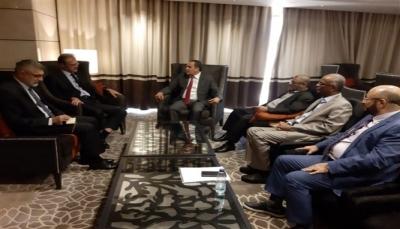 كتلة الإصلاح البرلمانية تواصل نشاطها وتلتقي بالسفير الفرنسي لدى اليمن