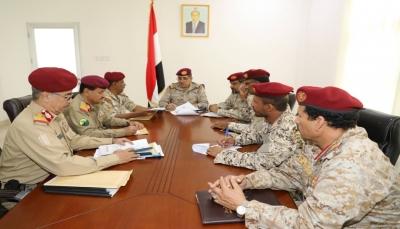 وزارة الدفاع وهيئة الأركان تؤكدان مُضيهما في استكمال بناء القوات المسلحة