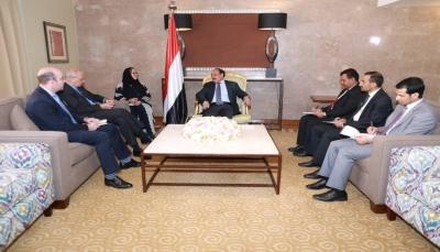 نائب الرئيس: الحكومة اتخذت خطوات كبيرة لتسهيل تنفيذ اتفاق الحديدة