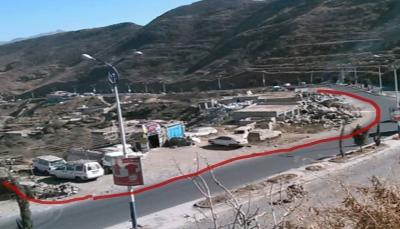 قيادي حوثي ومرافقوه يعتدون على أرضية أوقاف جنوب مدينة إب