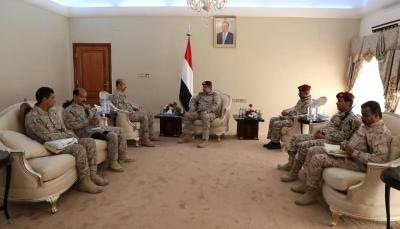 خلال لقائه بقائد التحالف.. رئيس الاركان: لن نسمح بوجود موطئ قدم لإيران