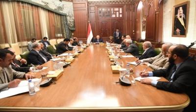 الرئيس هادي: خيارنا السلام المبني على المرجعيات الثلاث لإنهاء الإنقلاب