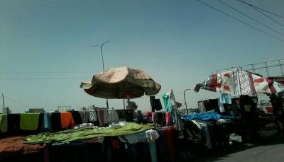 صنعاء: الباعة المتجولون يشكون من بطش وإبتزاز ميلشيات الحوثي