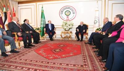 الرئيس هادي يصل تونس للمشاركة في القمة الـ 30 للجامعة العربية (صور)