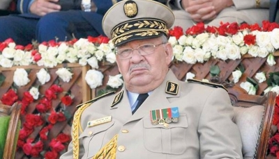 قائد الجيش الجزائري يطالب بإعلان عدم أهلية بوتفليقة للحكم