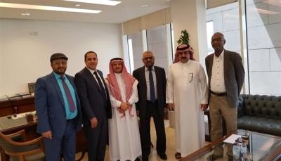 """الإصلاح يلتقي المبعوث الخليجي إلى اليمن ويدعو لسرعة إعلان """"التحالف الوطني"""""""