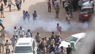 السودان.. ثورة الخبز تطيح بالبشير بعد أربعة أشهر من اندلاعها