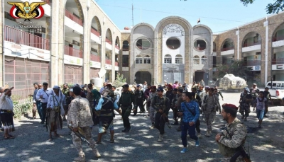 """تعز: لجنة التهدئة تمهل """"أبو العباس"""" أربعة أيام لنقل قواته إلى خارج المدينة (وثيقة)"""
