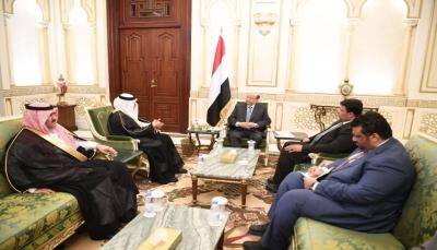 الرئيس هادي يتسلم رسالة من العاهل السعودي الملك سلمان