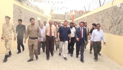 عدن: النائب العام يوجه بالإفراج عن عدد من الموقوفين في إصلاحية المنصورة