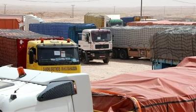 سلطنة عمان تقدم 85 شاحنة محملة بمساعدات غذائية لسكان المهرة