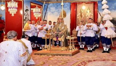 عيّن حبيبته جنرالاً للجيش، وسمى كلبه «قائد القوات الجوية».. من هو ملك تايلاند الجديد؟