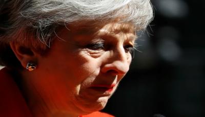 """الانفصال عن الاتحاد الأوروبي يطيح برئيسة الوزراء البريطانية """" تيريزا ماي"""""""