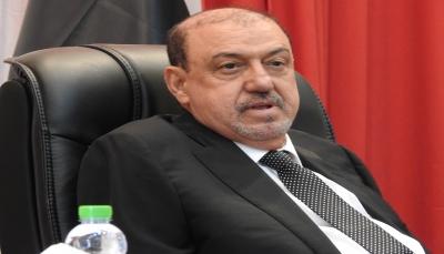 رئيس مجلس النواب يطلع على سير المعركة بتعز ويشيد بالجيش الوطني