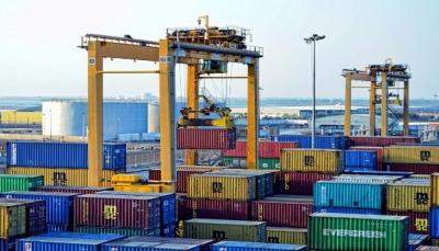 مليشيات الحوثي تفرض رسوم جمارك بنسبة 50% على البضائع القادمة من ميناء عدن