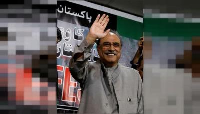 القبض على رئيس باكستان الأسبق على ذمة اتهامات بالفساد وغسيل أموال