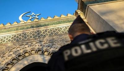 الشرطة الفرنسية تفكك خلية متطرفة خططت لمهاجمة أماكن عبادة مسلمين ويهود