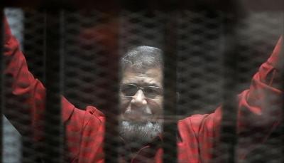 لدي أسرار وأتعرض للقتل المتعمد.. تفاصيل حديث محمد مرسي في آخر لحظات قبل وفاته