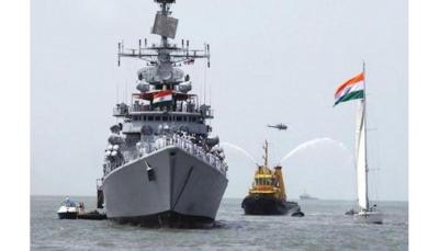 وسط التوتر بين ايران وأمريكا.. الهند ترسل سفنتيين حربيتين لخليج عُمان